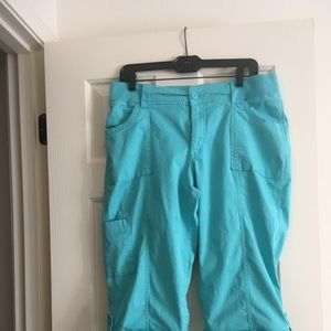 Lee Riders Mid Rise Skimmer capris.
